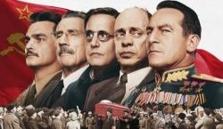 Tutti quelli che ronzano intorno al tiranno - L'occhio del gatto/Il film/Morto Stalin...