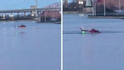 New York, elicottero si schianta in acqua: 5 turisti morti