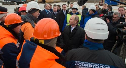 Il nuovo progetto di Putin: presto un ponte in Crimea