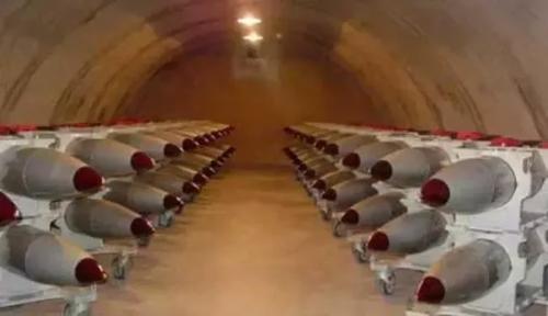 Germania: armi nucleari, la politica della sedia vuota