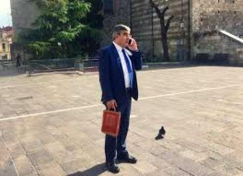Il valzer delle dimissioni (ma serve il traduttore automatico da governatorese all'italiano)