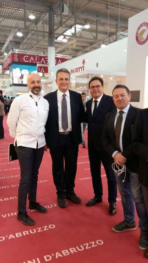 Vinitaly, vitivinicoltura e olio si confermano le punte di diamante dell'Abruzzo