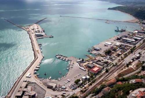 Porto di Ortona, lavori fermi al palo dopo oltre 4 anni di annunci