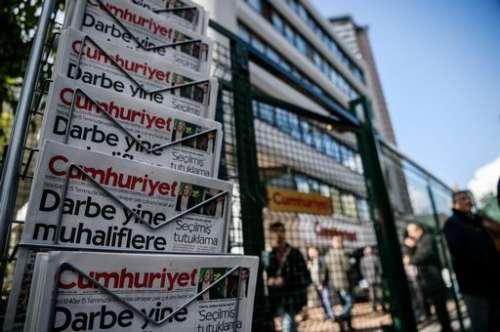 """Quanto è """"liberale"""" Erdogan... altri giornalisti a processo in Turchia"""