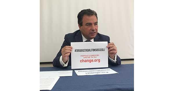 Di Stefano, petizione contro D'Alfonso