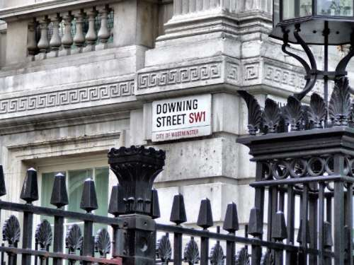 Non è Scampia, ma Londra: è allarme sicurezza, ma Downing Street cincischia con la Brexit