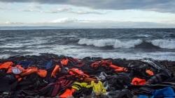 Mediterraneo: almeno 126 migranti dispersi dopo un ennesimo naufragio