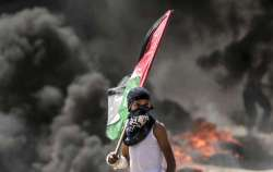 Gaza, la follia degli scontri fa 59 morti (anche una neonata)