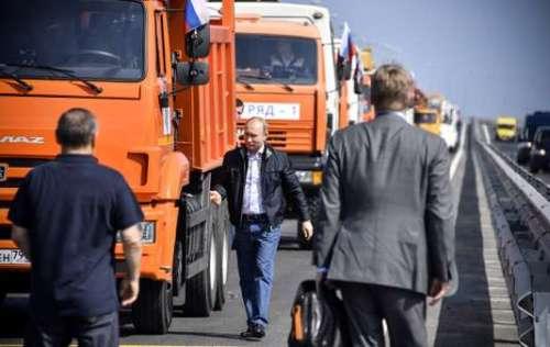 Il ponte di Putin, i dazi di Trump e i silenzi di Roma