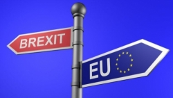 Regno Unito, May offre ai 3 milioni di cittadini comunitari la possibilità di restare dopo la Brexit