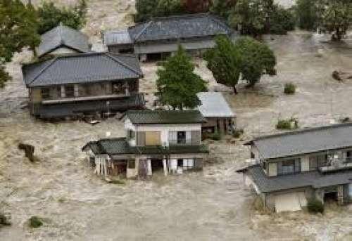 Tutti danni (milionari) del maltempo in Giappone