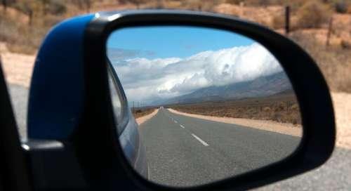 L'esperimento delle regionali d'Abruzzo e lo specchietto retrovisore azzurro