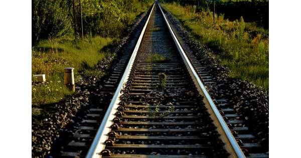 Uomo travolto da treno lungo Adriatica