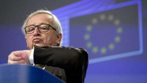 Caro Juncker, il problema dell'Ue non è l'ora solare