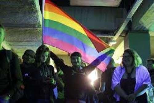 Romania: niente nozze per i gay. Referendum nullo