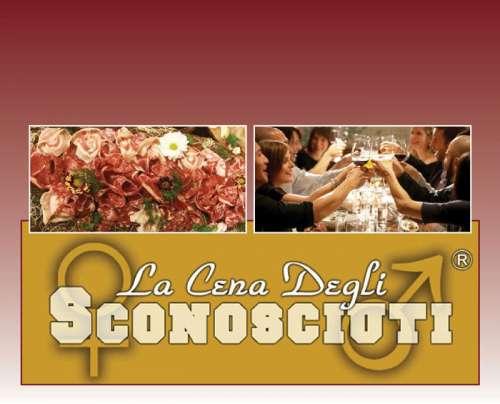 """A Pescara la """"Cena degli sconosciuti"""", la fortunata idea made in Italy"""