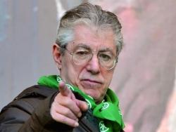 Umberto Bossi, il fondatore della Lega Nord, condannato a due anni di carcere