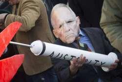 Un buco nero di nome Grecia: armi, tangenti e corruttori