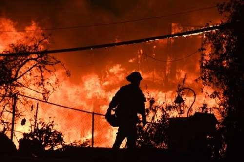 Incendi in California, il bilancio è tragico