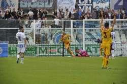 Carpi battuto: il Pescara torna in vetta (e respira un po')