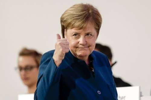 Disastro May: anche da Merkel arriva un no
