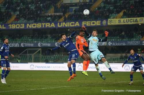 Pescara, così non va: sconfitto al Bentegodi