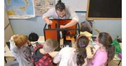Mille bambini per il progetto 'Solo posto in piedi'