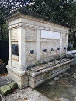 Chi si duole della fontana deturpata a Pescara?
