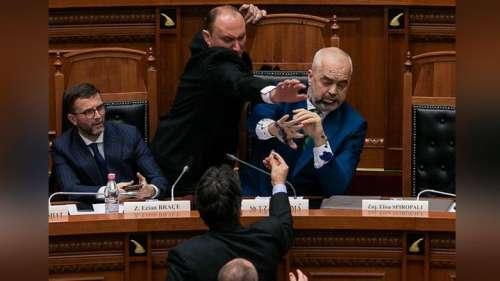 Albania, opposizioni si dimettono: chiedono nuove elezioni