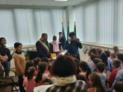 Pineto, bambini Scuola d'Infanzia Calvano visitano Municipio