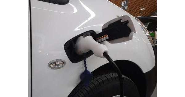 Dati Aci: in Abruzzo il 9,2% auto è 'green'