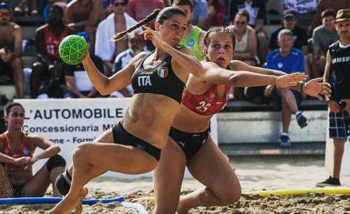 Chieti, al via il Beach Handball femminile