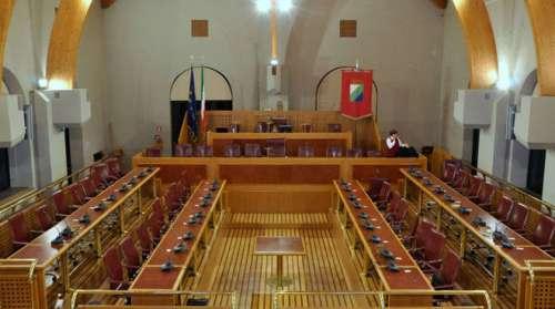 Gran Sasso, martedì 14 maggio consiglio regionale straordinario
